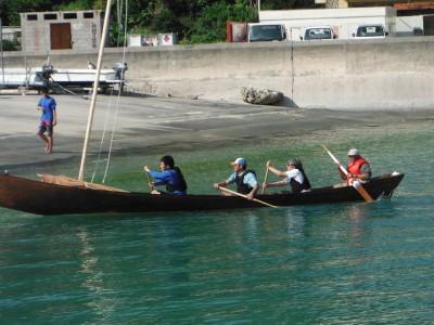 進水式の後はさっそく古式サバニの練習をしてきました