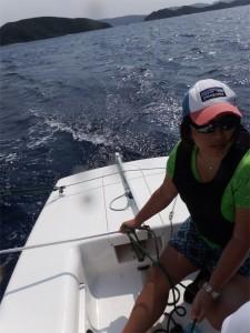 ほどよい風が吹いていたのでシーホッパー(一人乗りヨット)の練習をさせていただきました。ヨットは楽しいです。