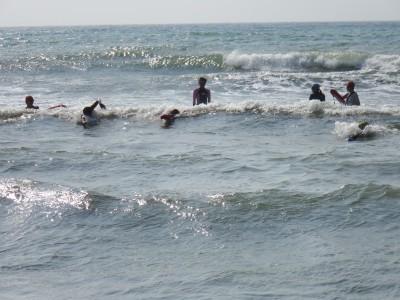 ボディサーフィンは波に乗れると気持ちが良いです