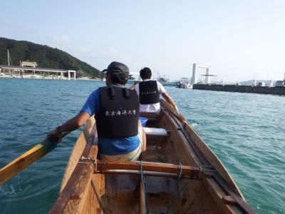 港内で練習中です
