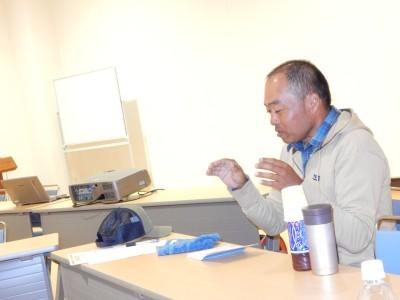 カヤックガイドの藤田さんのお話はカメ、イルカ、植物、鳥など視点がいっぱいで楽しいお話でした